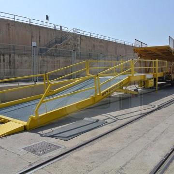 Fabricamos rampas móviles para la carga y descarga de trenes de carga