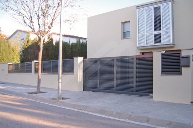 Puertas de garaje batientes aluminio angel mir ngel mir - Puertas abatibles garaje ...