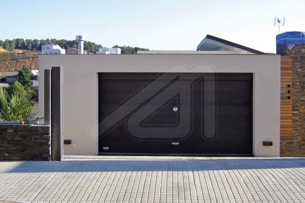 Puerta de garaje basculante chapa angel mir ngel mir - Accesorios para garajes ...