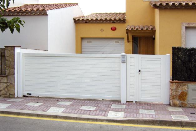 Puertas de garaje correderas aluminio angel mir for Correderas de aluminio