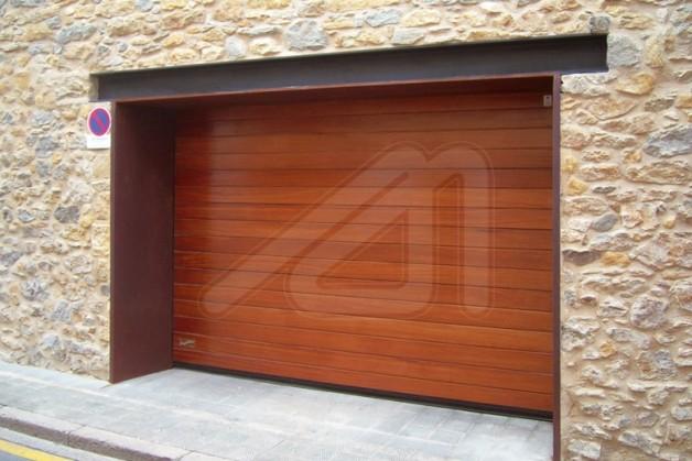 Puertas seccionales de garaje madera angel mir ngel mir - Puertas de cochera ...