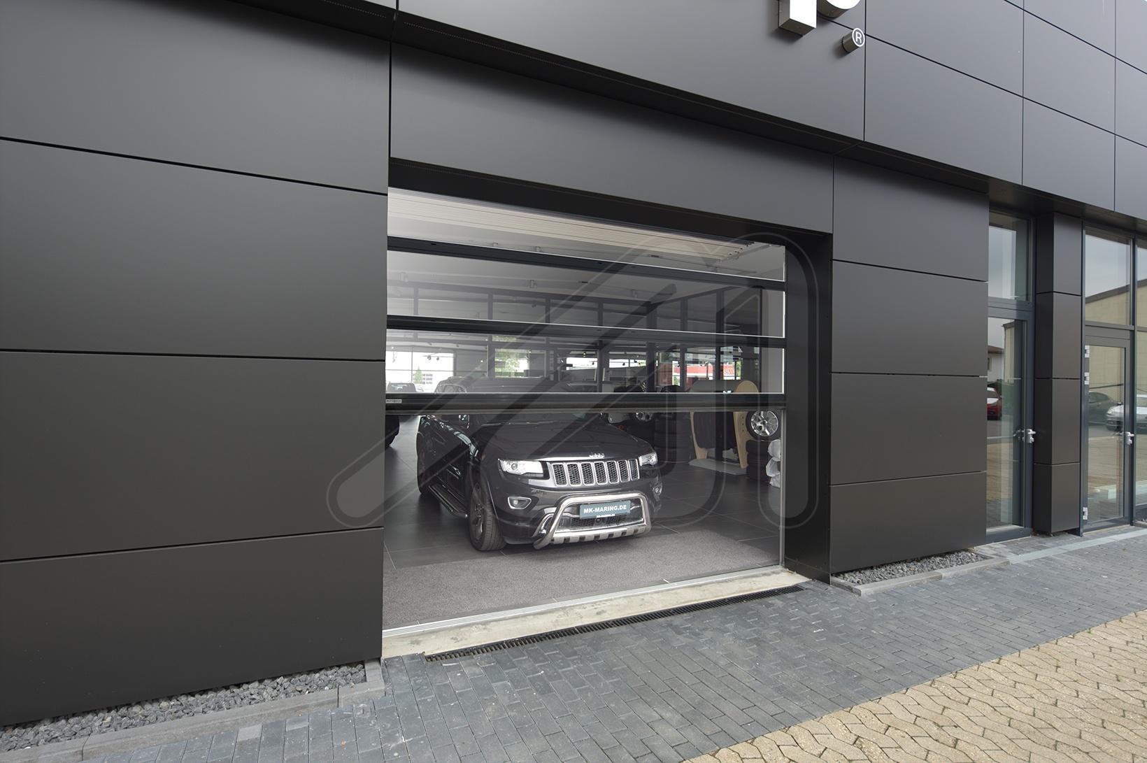 Dos modelos de puertas seccionales para el sector de la automoción