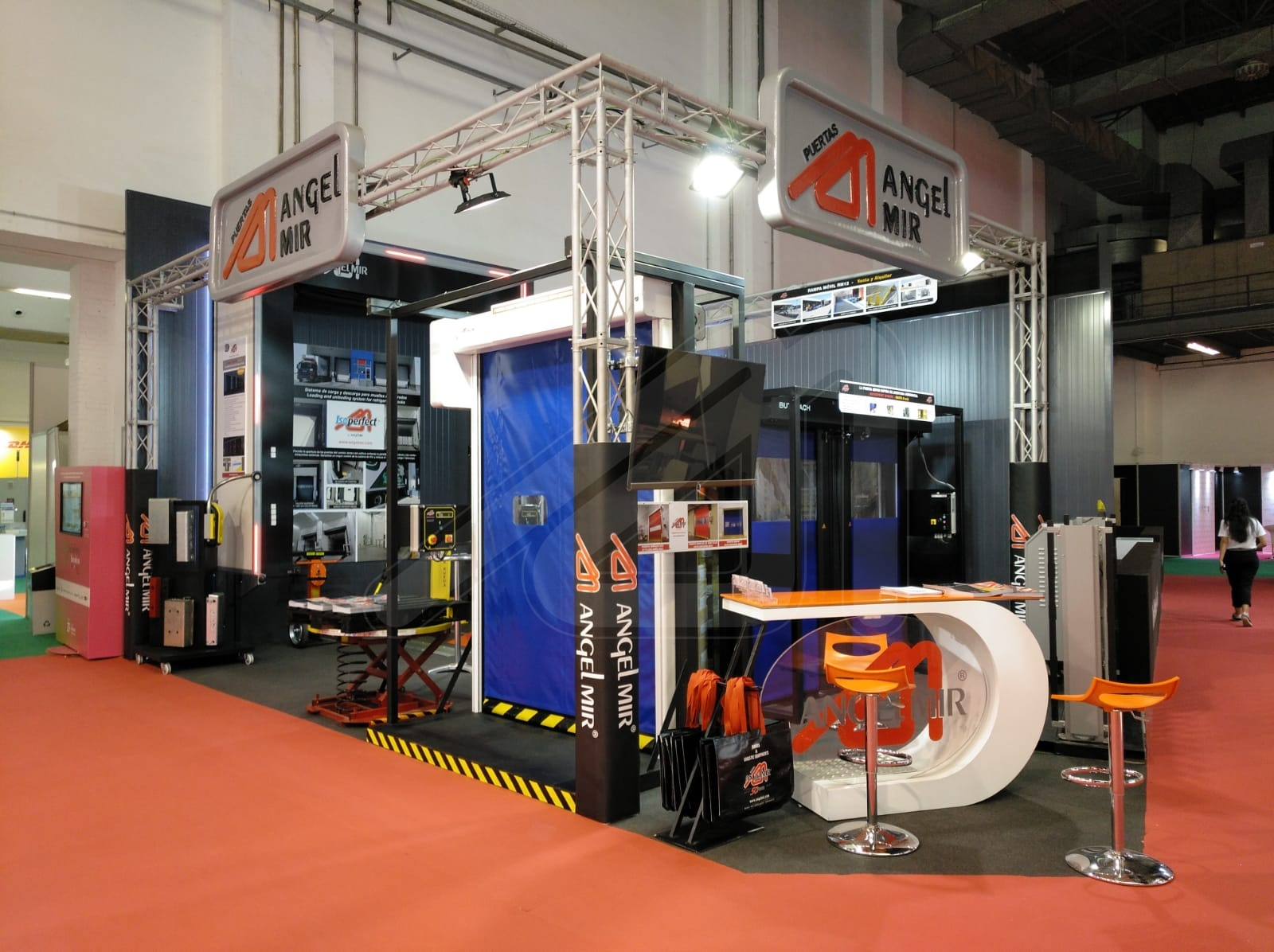 WE LAUNCH IMPORTANT INNOVATIONS FOR LOGISTICS AT SIL BARCELONA