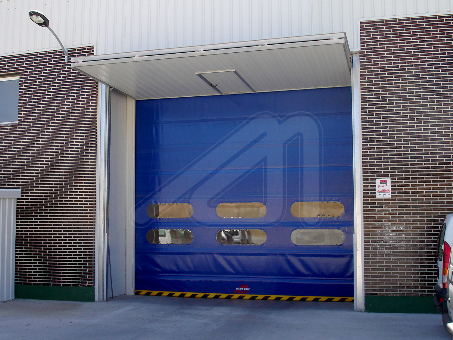 The advantages of high speed doors in winter