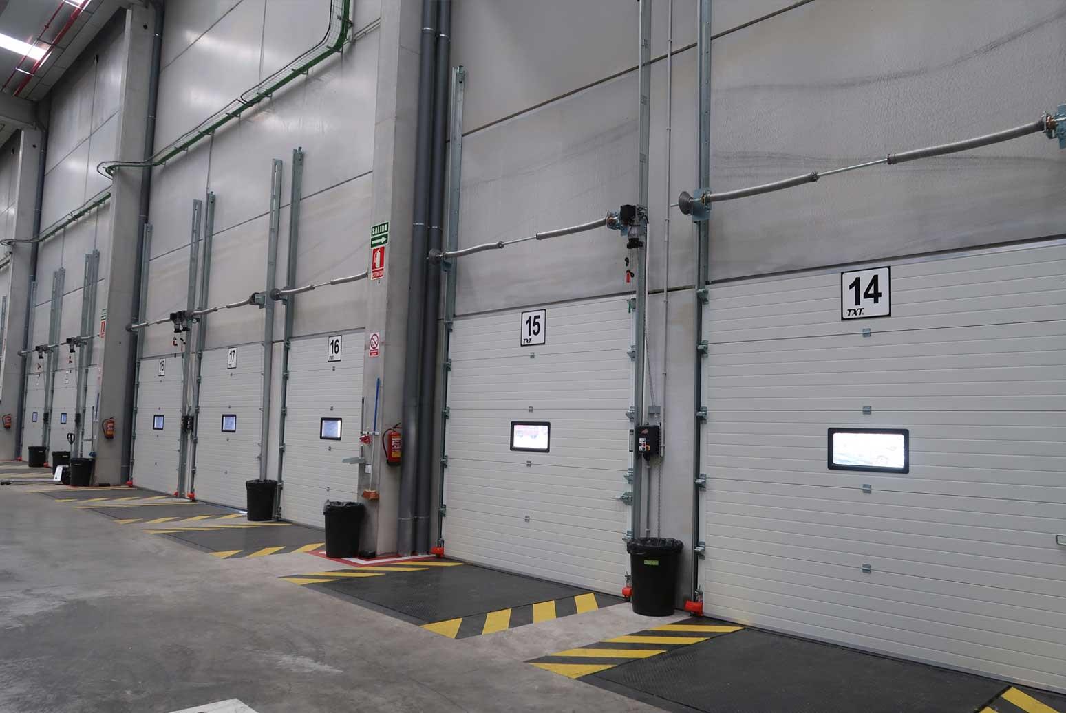 puerta seccional centro logístico colombia