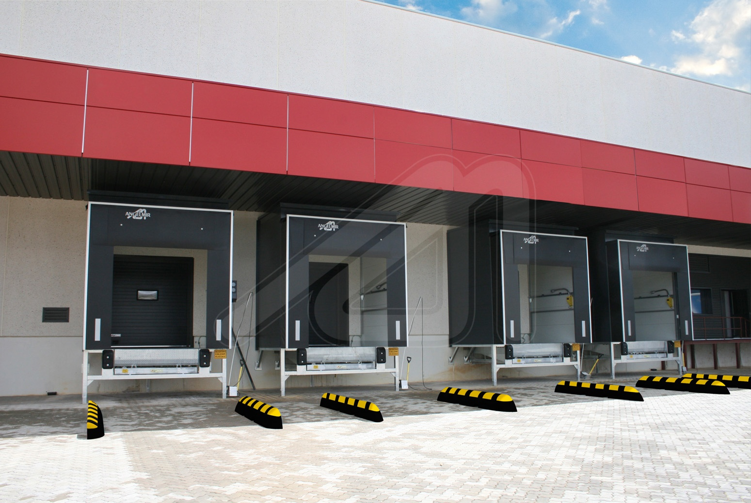 Accessories that increase the durability of the loading dock