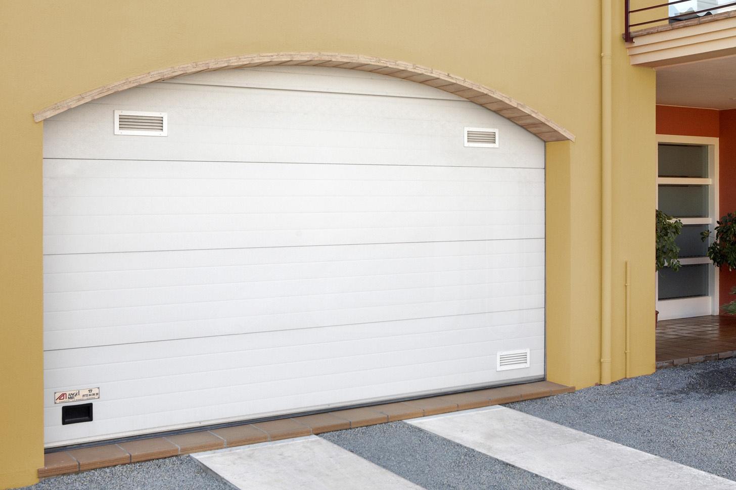 Puerta de garaje seccional de cristal | Alusecc | Angel Mir | Àngel Mir